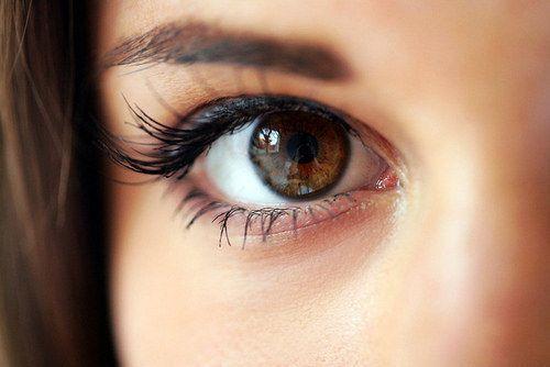 - eye - आँखों को स्वस्थ रखने के लिए करें ये योग, पाएं चश्मे और लेन्सेस से हमेशा के लिए छुटकारा