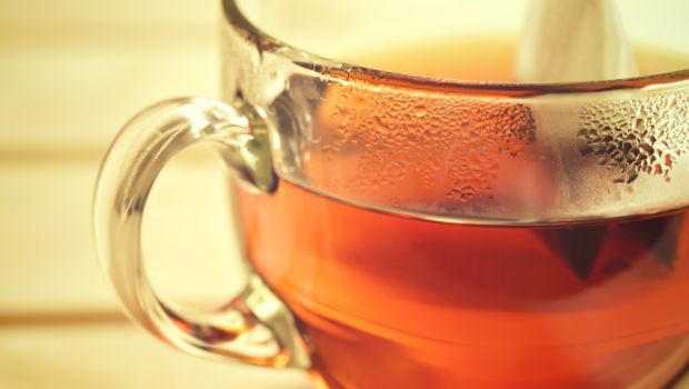 - chai ke pani ke fayde tea water benefits - 7 दिन में करें सफ़ेद बालों को काला, साथ ही पाएं घने, रेशमी और चमकदार बाल