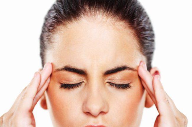 आँखों की रोशनी - kanpati ki malish ke fayde weak eyesight treatment e1533833414623 - आँखों की रोशनी और नजर तेज करने के तरीके – चश्मा उतारने के घरेलू नुस्खे