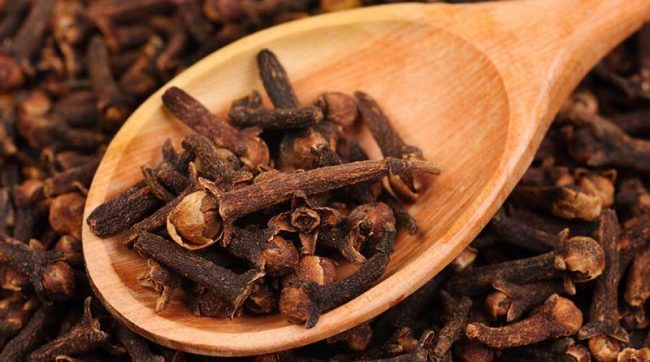 laung ke fayde clove benefits in hindi
