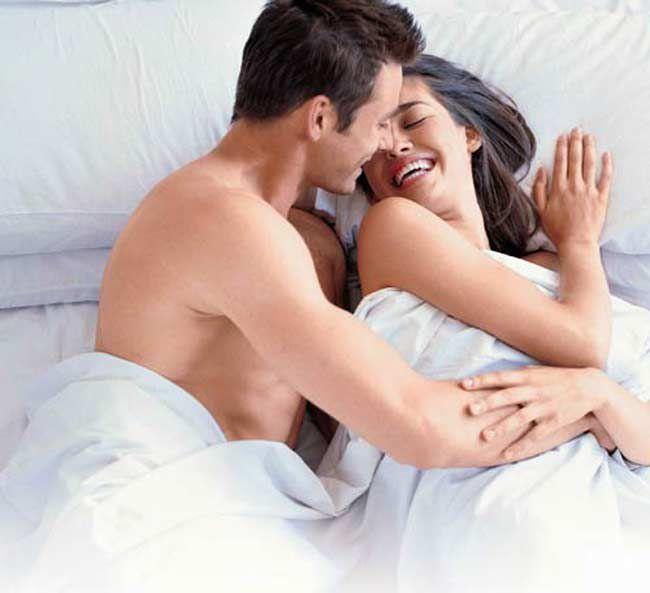 - romantic couple - लगातार 7 दिन लहसुन और शहद का सेवन करने के फायदे जान हैरान रह जाएगे आप