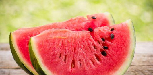 watermelon तरबूज और खरबूज खाने के बाद पानी